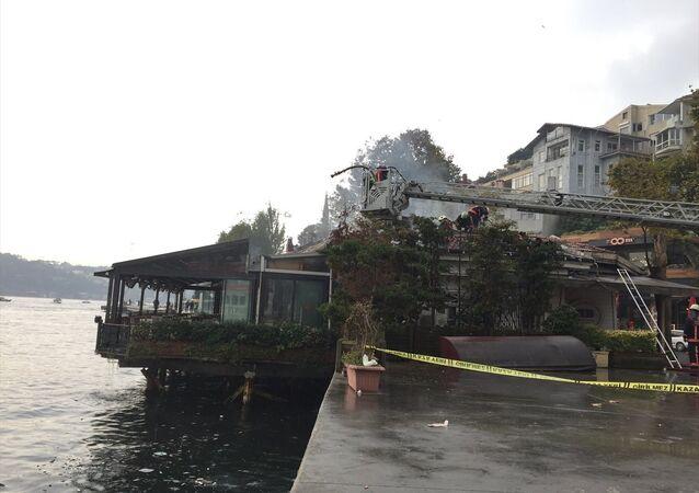Rumeli Hisarı sahilindeki bir restoranda çıkan yangın