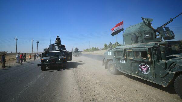 """Bununla birlikte Peşmerge Güçleri Genel Komutanlığı iç ve dış kamuoyuna yönelik yapılan yazılı açıklamada, """"İkbalpur komutasındaki İran Pasdaran Ordusu'na bağlı Haşdi Şabi güçleri, Iraklı güçlerin yardımıyla Kerkük ve çevresine yönelik geniş çaplı bir saldırı başlatmıştır. Bu saldırı, Kürdistan halkına karşı açık bir savaş ilanıdır"""" denildi. Peşmerge, KYB'yi de Irak'a yardımla suçladı. - Sputnik Türkiye"""