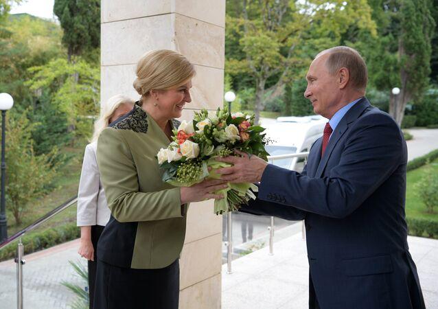 Rusya Devlet Başkanı Vladimir Putin, Hırvatistan Cumhurbaşkanı Kolinda Grabar-Kitarovic
