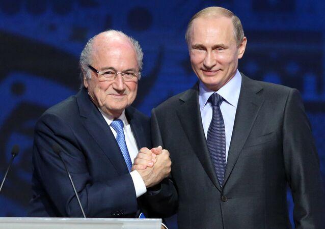 Sepp Blatter ve Vladimir Putin