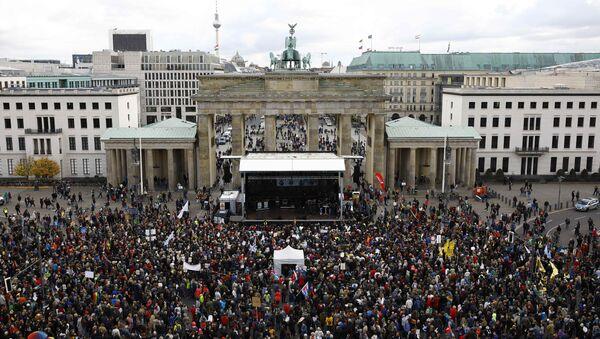 Berlin - AfD - Protesto - Sputnik Türkiye
