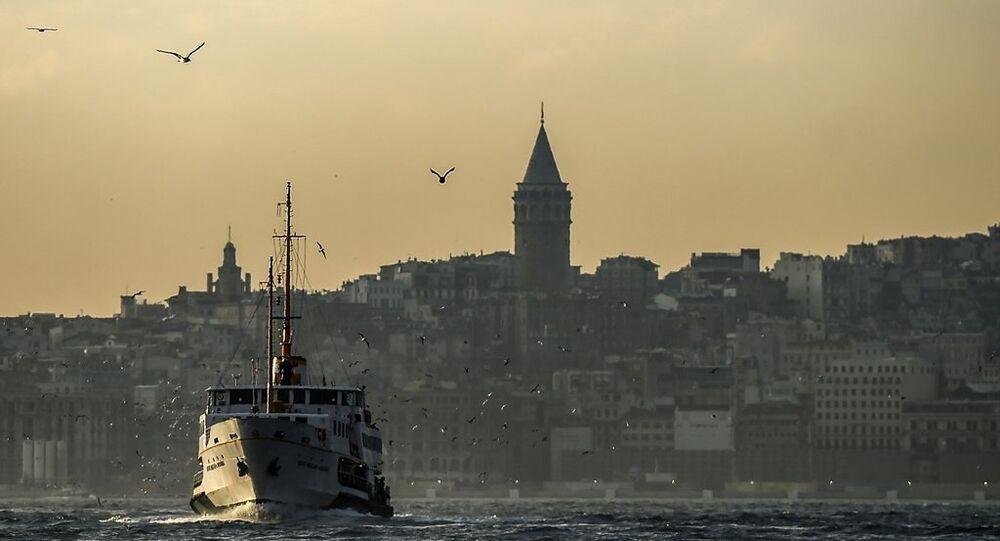 Galata Kulesi - İstanbul Boğazı