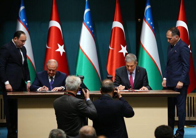 Özbekistan Dışişleri Bakanı Abdulaziz Kamilov ile Türkiye Sağlık Bakanı Ahmet Demircan