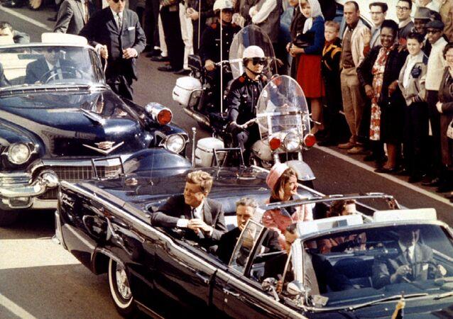 John F. Kennedy suikastinin gerçekleşme anı