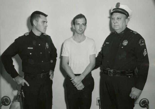 John F Kennedy'nin katili  Lee Harvey Oswald