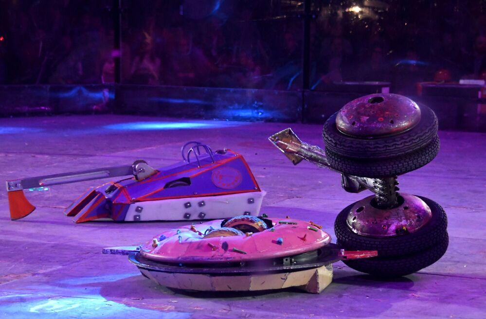 Moskova'da robot dövüşleri