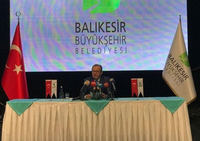 Balıkesir Belediye Başkanlığı'ndan istifa eden Ahmet Edip Uğur