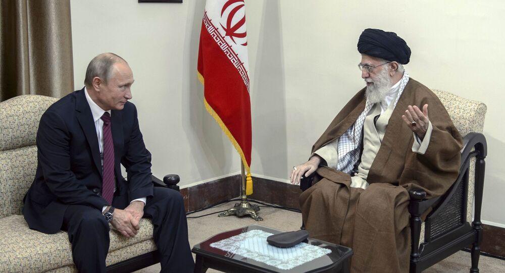 Rusya Devlet Başkanı Vladimir Putin ile İran'ın ruhani lideri Ayetullah Ali Hamaney