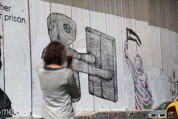 Grafiti sanatçılarının uğrak yeri Batı Şeria Duvarı - Sputnik Türkiye