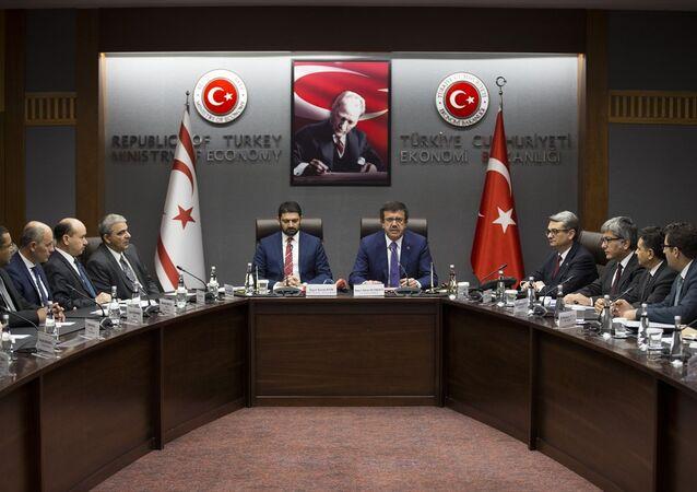Ekonomi Bakanı Nihat Zeybekci ve Kuzey Kıbrıs Ekonomi ve Enerji Bakanı Sunat Atun