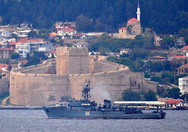 Rusya'nın Karadeniz Filosu'na bağlı 'İvan Golubets'