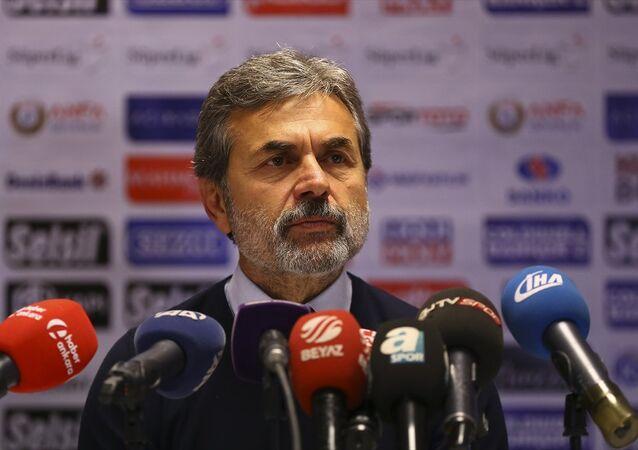 Fenerbahçe Teknik Direktörü Aykut Kocaman