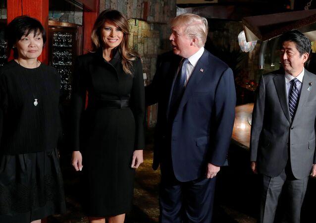 Akie Abe- Melania Trump- Donald Trump- Şinzo Abe