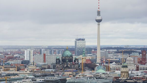 View of the Berlin skyline seen from Potsdamer Platz to Alexanderplatz, including the TV Tower, the Berlin Cathedral (R), the Berlin palace under construction and the city's town hall (Rotes Rathaus, R) - Sputnik Türkiye