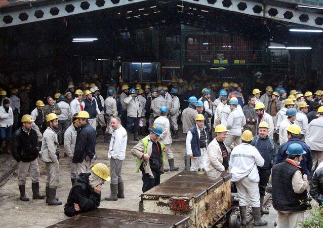 Zonguldak'ta 'madenden çıkmama eylemi'