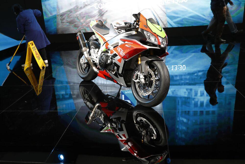Aprilia SV4 motosikleti.