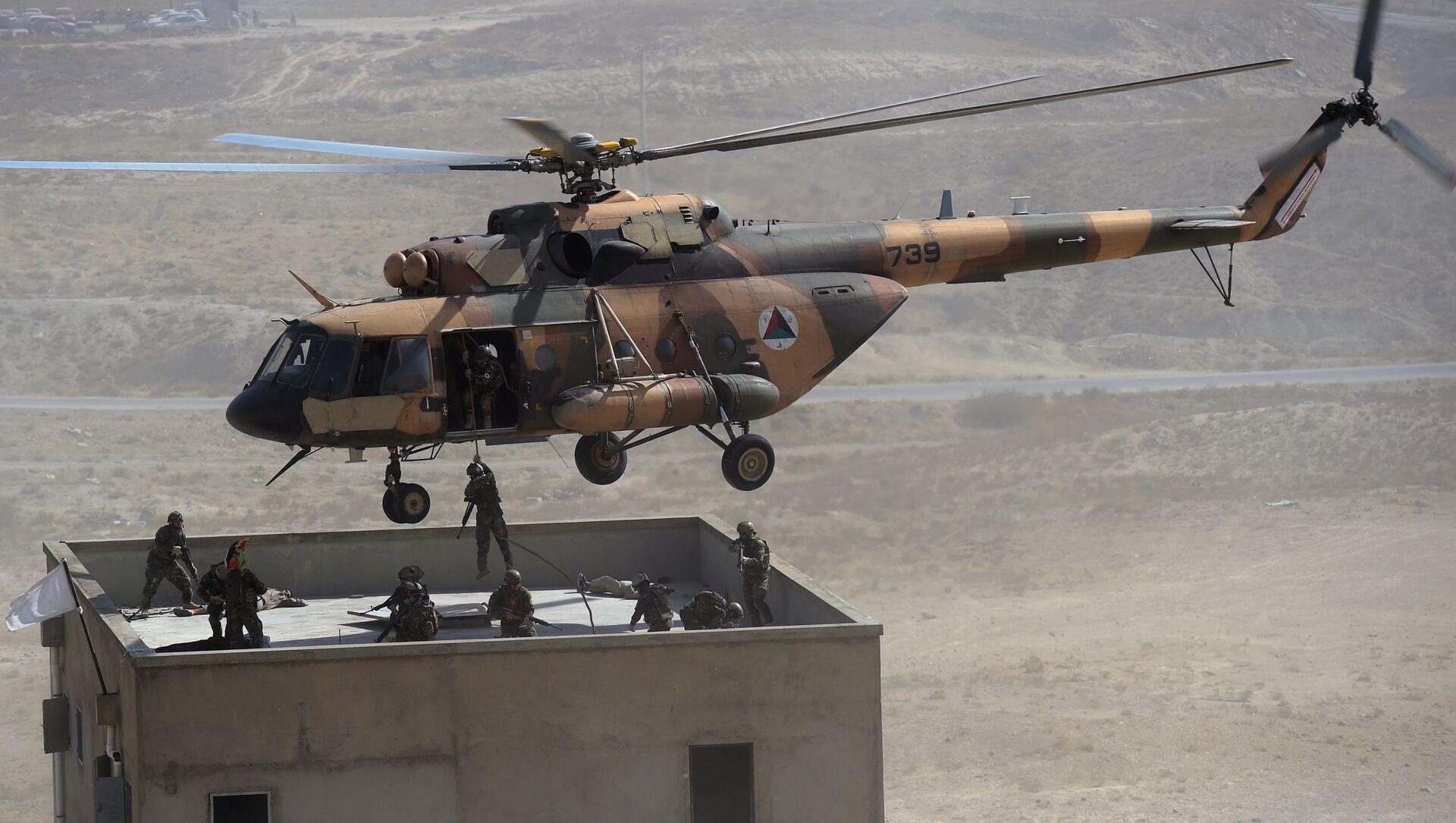 Mi-17 tipi helikopter -Afganistan - Sputnik Türkiye, 1920, 29.07.2021