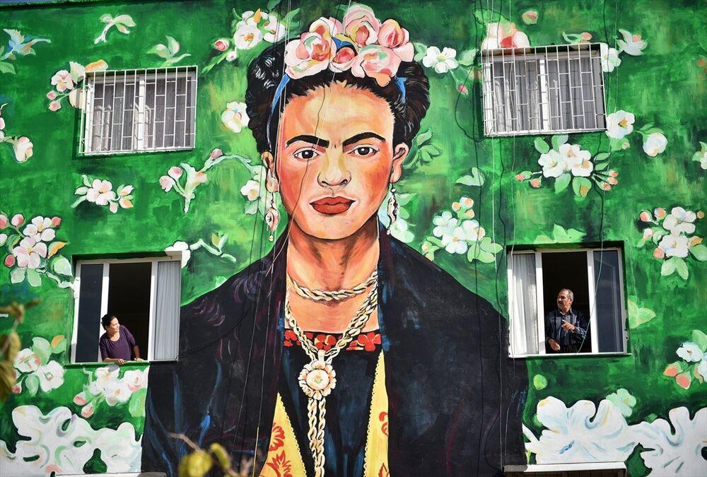 Dünyaca ünlü eserler evlerin duvarlarında canlanıyor