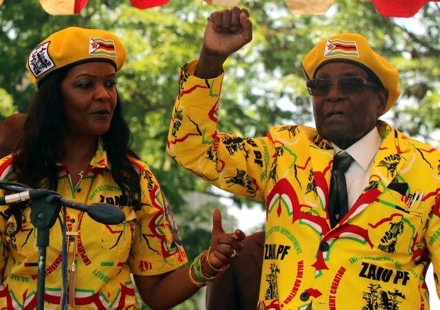Grace ve Robert Mugabe