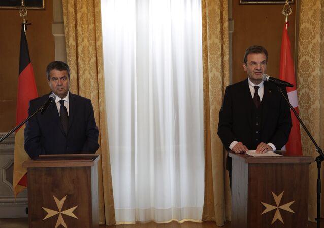 Almanya Dışişleri Bakanı Sigmar Gabriel ile İtalya Dışişleri Bakanı Angelino Alfano