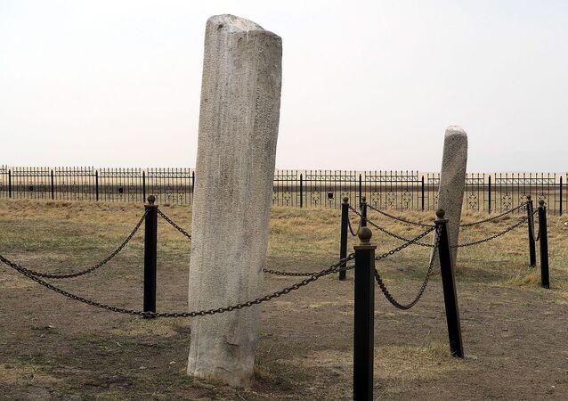 Tonyukuk anıtları