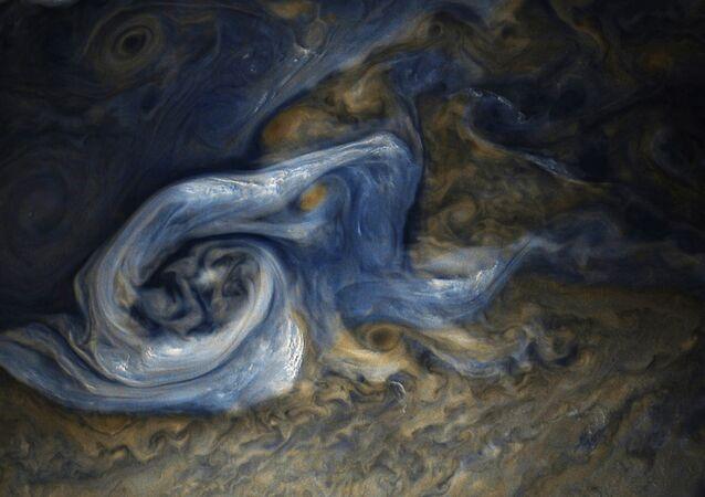 Jüpiter'deki dev fırtına
