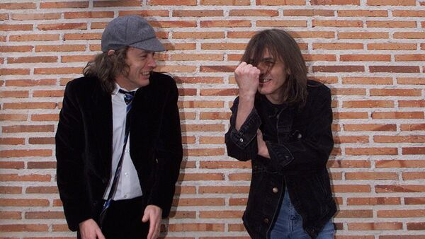 AC/DC'nin gitaristi Malcolm Young - Sputnik Türkiye