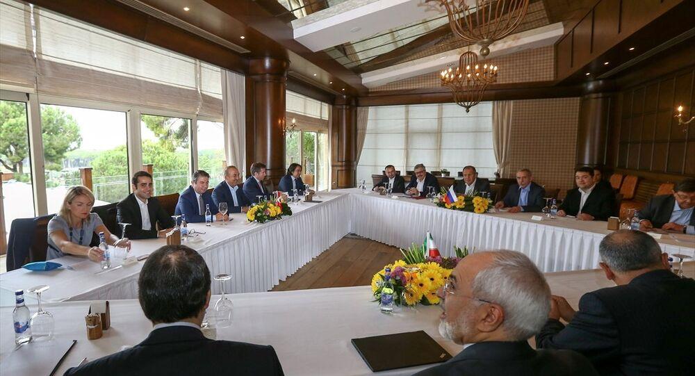 Antalya'daki Rusya- İran- Türkiye dışişleri bakanları toplantısı