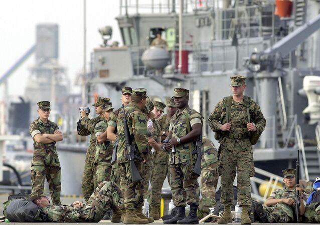 Okinawa-ABD askerleri