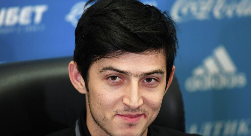 Futbolcu Serdar Azmun