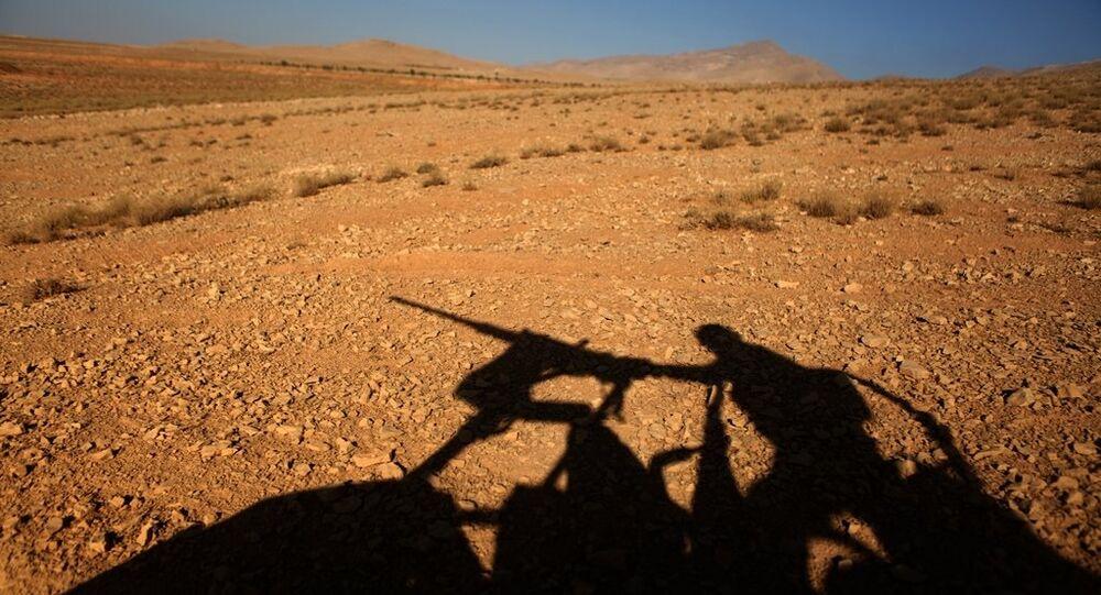 Lübnan askeri - Suriye sınırı