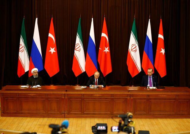 Soçi'de üçlü zirve - Ruhani, Putin, Erdoğan