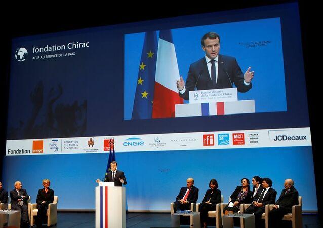 Chirac Vakfı Ödülü, Fransa Cumhurbaşkanı Emmanuel Macron tarafından Hrant Dink Vakfı Başkanı Rakel Dink'e sunuldu