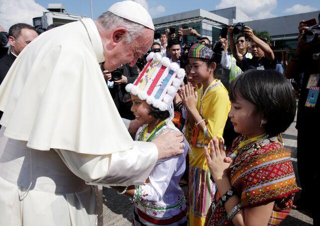 Papa Francis, Myanmar'da