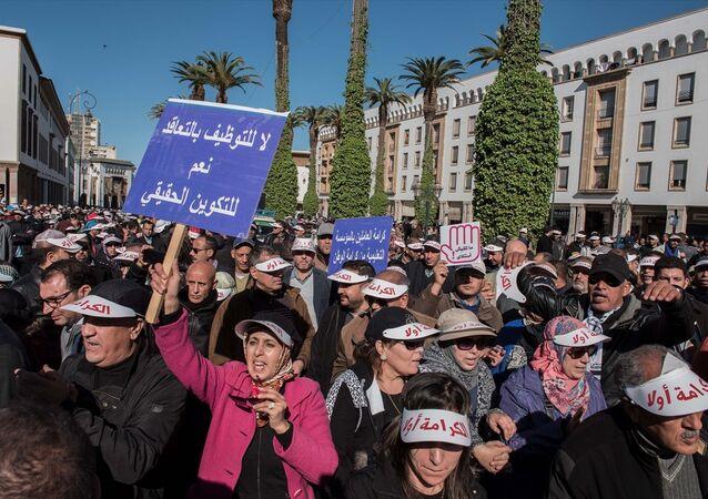 Fas'ta öğretmenler, 'öğrenci şiddeti'ne karşı yürüdü