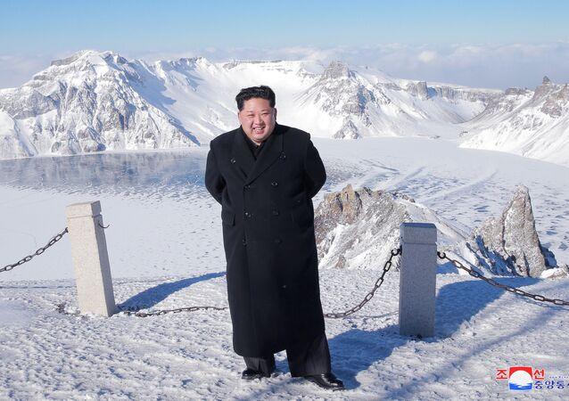Kuzey Kore lideri Kim Jong-un, Baekdu Dağı'na tırmandı