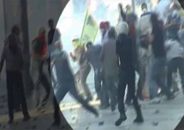 Polis Ahmet Şahbaz'ın Ethem Sarısülük'ü öldürme anı