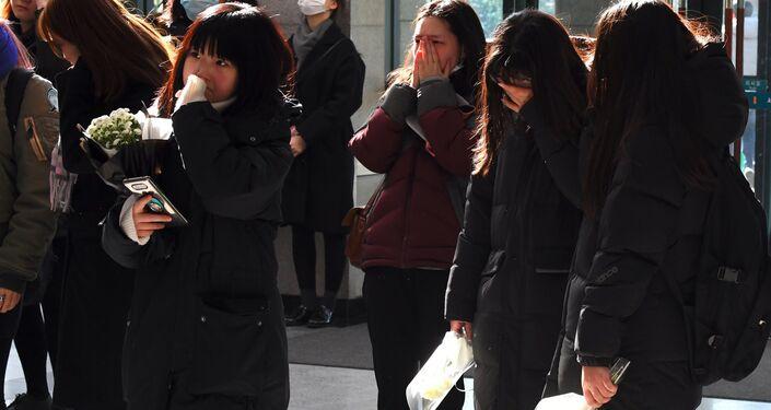 Cenaze için hastaneye akın eden SHINee hayranları