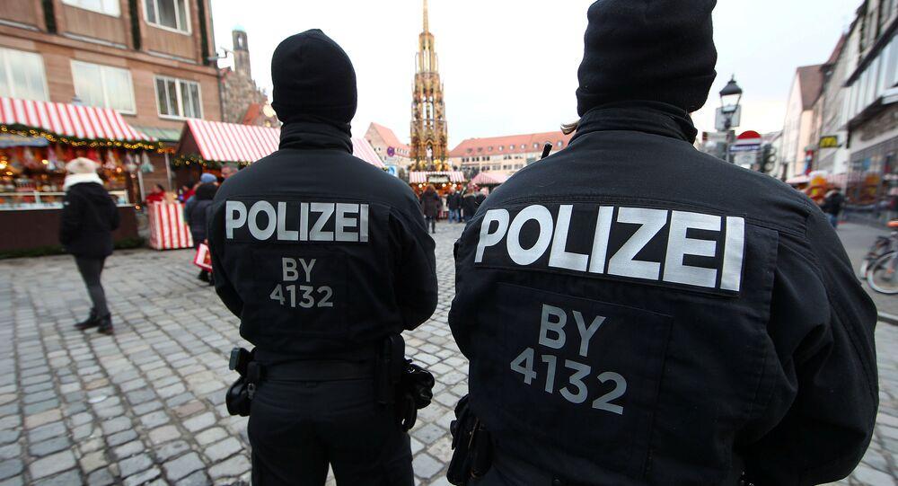 Alman polisi Noel pazarı Nürnberg