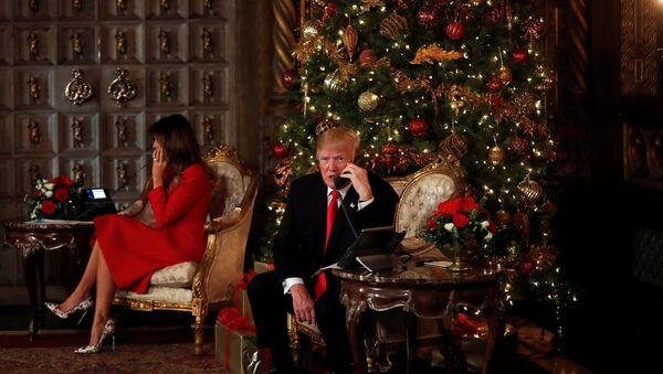 ABD Başkanı Donald Trump- First Lady Melania Trump-Noel - Sputnik Türkiye