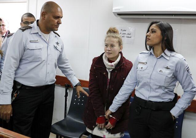 'Filistin'in cesur kızı' lakabıyla tanınan 16 yaşındaki Ahed Tamimi