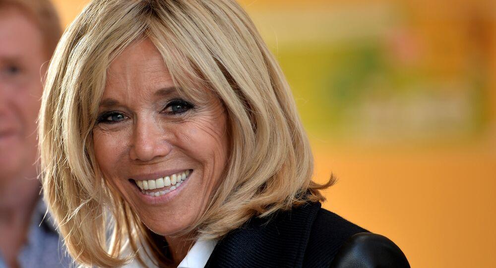 Olgun Kadinlar Brigitte Macron A Tesekkur Mektubu Yagdiriyor Sputnik Turkiye