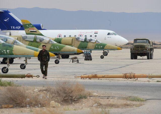 Suriye Hava Kuvvetleri'ne ait L-39 Albatros uçakları