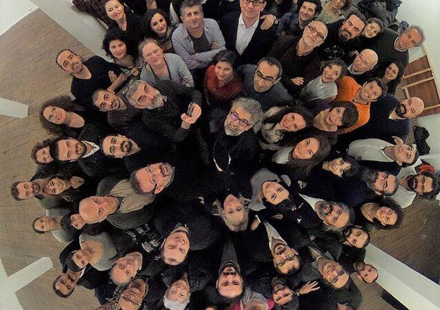 'Dışarıdaki Gazeteciler'den tutuklu meslektaşlarına yeni yıl selamı