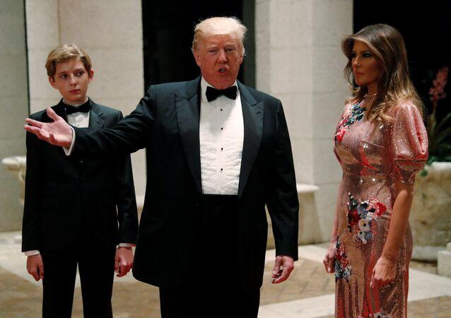 Donald Trump- Melania Trump- Barron Trump