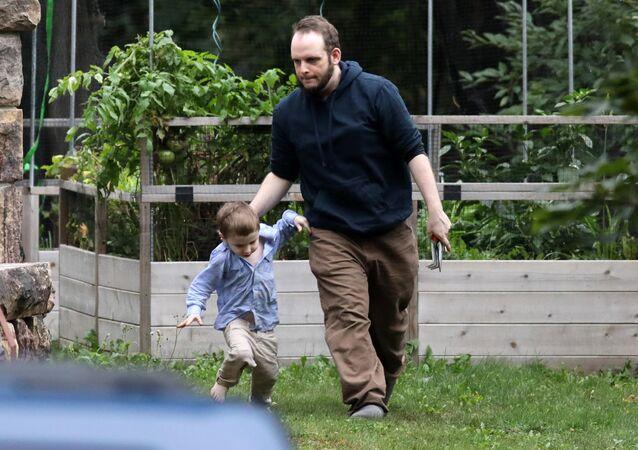 Kanadalı eski rehine Joshua Boyle çocuklarından biriyle