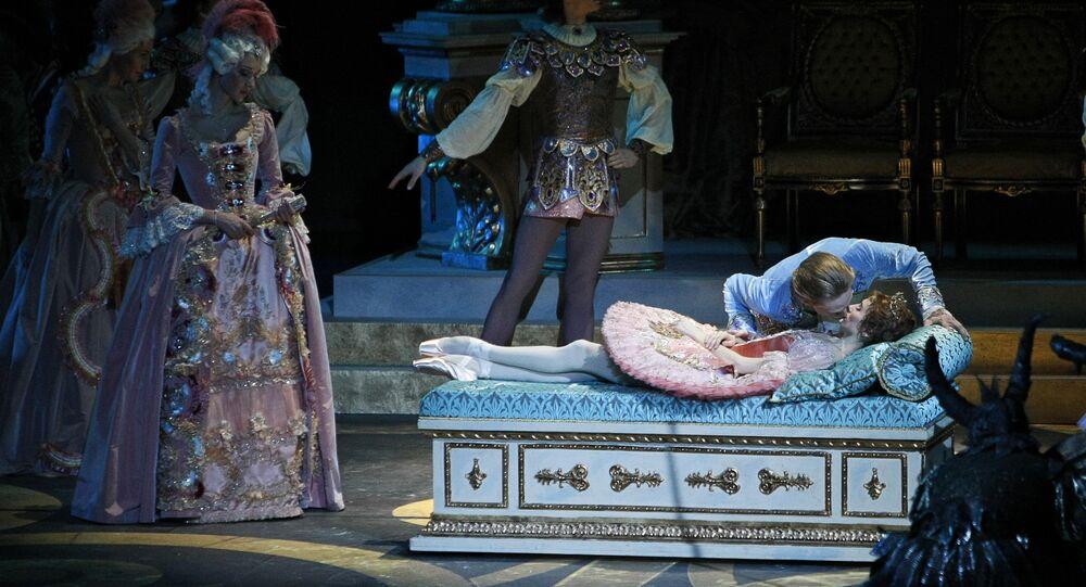 Uyuyan Güzel balesi balerin Svetlana Zakharova balet David Hallberg Bolşoy Tiyatrosu Moskova