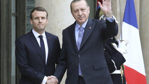 Türkiye Cumhurbaşkanı Recep Tayyip Erdoğan- Fransa Cumhurbaşkanı Emmanuel Macron - Sputnik Türkiye