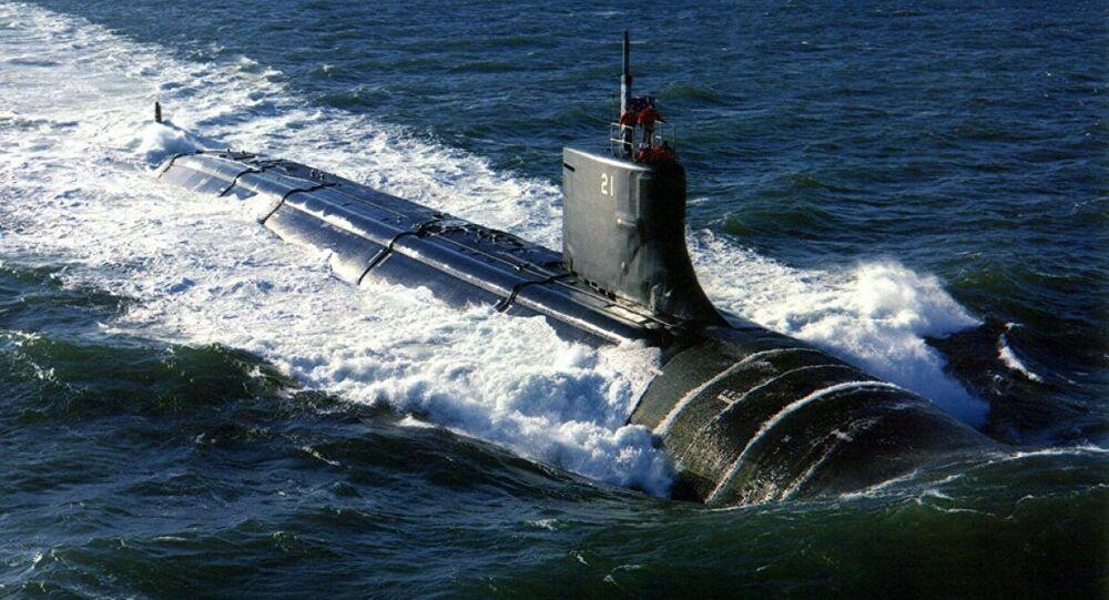 SEAWOLF DENİZALTISI  Seawolf sınıfı nükleer saldırı denizaltısı, ABD Donanması'nın tarihinde üretilen en pahalı denizaltılardan biri oldu. Bu sınıfta toplam üretilen 3 denizaltının her biri, vergi mükellefleri için 3 milyar dolara mal oldu. ABD Savunma Bakanlığı (Pentagon), üretimi aşırı pahalıya mal olan bu denizaltı projesini rafa kaldırmak ve daha az gelişmiş Virginia sınıfı denizaltılarının yapımına yönelmek durumunda kaldı. Seawolf denizaltısının test aşamasında suyun altında geliştirdiği en yüksek hız, 38 knot (70.38 km/saat) oldu.