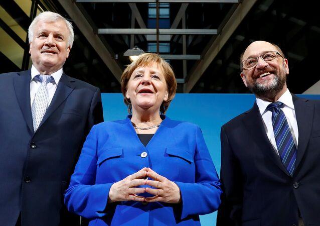 Almanya Başbakanı Angela Merkel, SPD lideri Martin Schulz ve CSU lideri Horst Seehofe